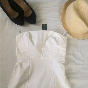 UNITED COLORS OF BENNETON WHITE STRAPLESS DRESS